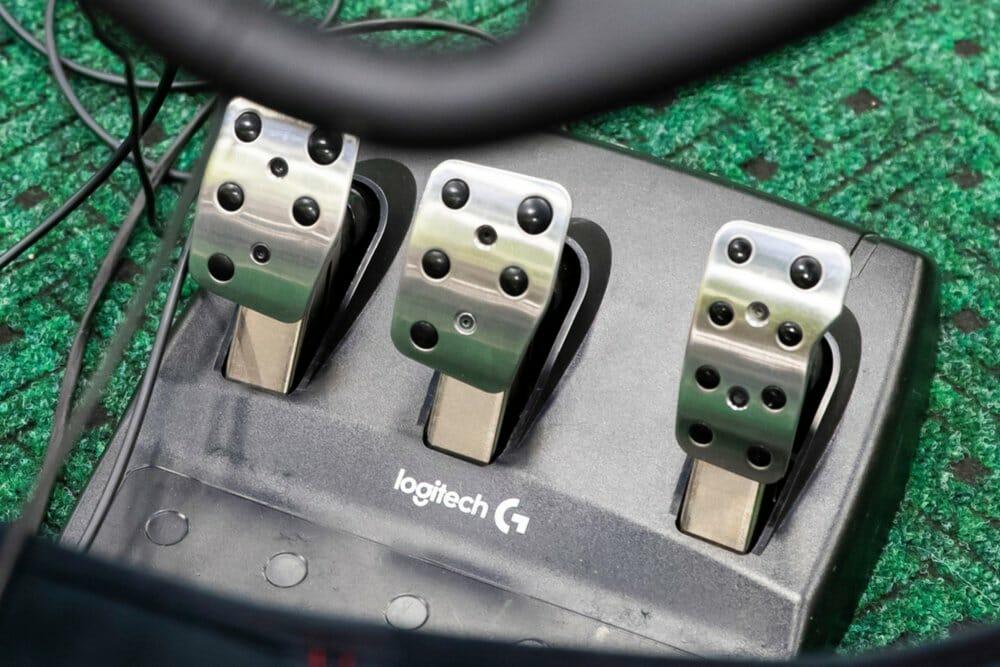 Logitech sim racing pedals