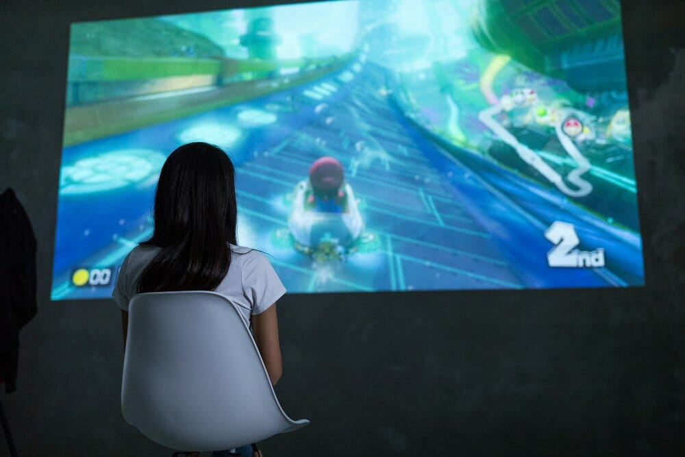 Cheap gaming projector